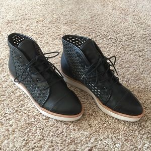 Authentic Loeffler Randall Leather Shoes